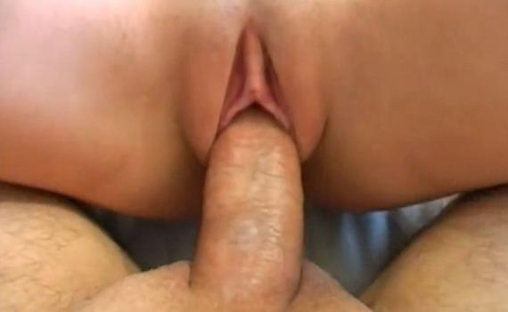 порно мужу нравиться когда друг трахает жену