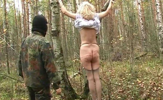 Муж поймал жену на измене и жестко отпорол в лесу - 03:51