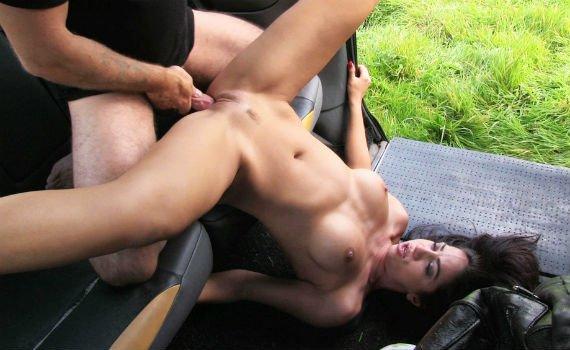 Порнозвезда Julia De Lucia дала таксисту - 26:57